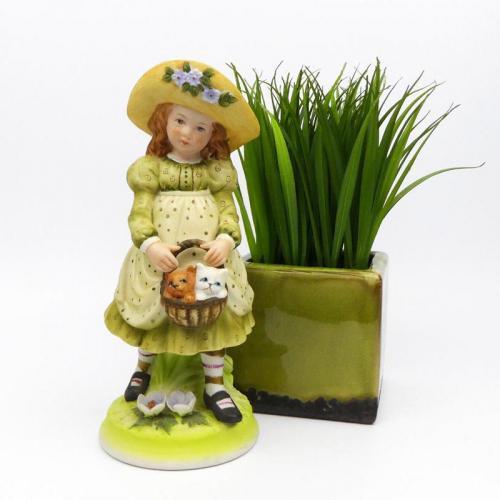 Vintage Holly Hobbie Figurine Holding Basket of Kittens